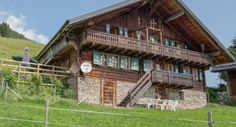 Val-d'Illiez, Large holiday cottage rental with a fantastic setting. Switzerland Hotels, Hotel Reservations, Cottage, Cabin, House Styles, Altitude, Totalement, Midi, Home Decor