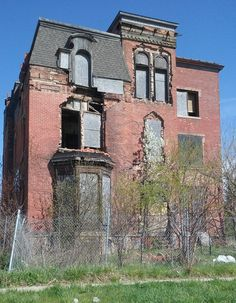 Brush Park, Detroit, MI Abandoned Mansions, Abandoned Buildings, Abandoned Places, Haunted Houses, Haunted Places, Old Bricks, 10 Picture, Brick Building, Detroit Michigan