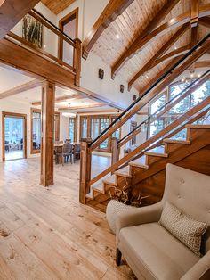 Лестница-шале саскачеванского приозёрного коттеджа