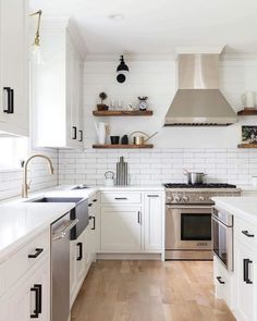 Modern farmhouse kitchen with shiplap half wall kitchen cabinets, interior, home decor, future Diy Kitchen Remodel, Farmhouse Remodel, Farmhouse Style Kitchen, Modern Farmhouse Kitchens, Home Decor Kitchen, Kitchen Interior, New Kitchen, Home Kitchens, Farmhouse Decor