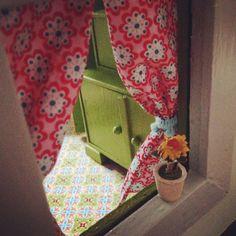 Ein Blick durchs Fenster :) http://www.kreativlaborberlin.de/tag/diy-blogger-contest/
