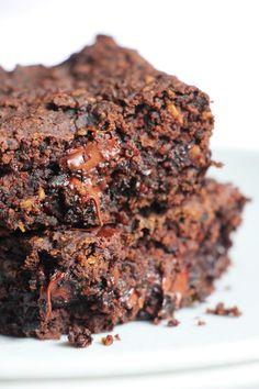 Brownie fit de feijão – sem glúten/lactose e vegano | Vídeos e Receitas de Sobremesas