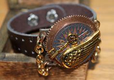 Steampunk bracelet with gold wing  key