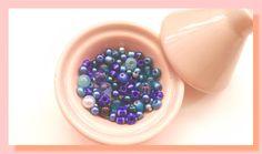 assortiment perles de rocaille perles de verre et perles nacrées bleu : Perles de Rocaille par chely-s-creation