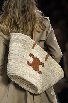 Celine Spring 2020 Fashion Show Details. All the fashion runway close-up details, shoes, and handbags from the Celine Spring 2020 Fashion Show Details. Fashion Bags, Fashion Accessories, Paris Fashion, Fashion Fashion, Runway Fashion, Fashion Trends, Latest Bags, Basket Bag, Summer Bags