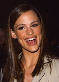 Jennifer Garner & her big ol' dimps.