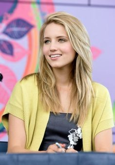 I can't seem to get my hair to a style I like so maybe I should try thinning it out and cutting it like this. Her hair looks gorgeous no matter what though.