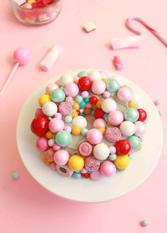 Retro Wreath Cake - A Beautiful Mess Cake Gel, Vanilla Cake Mixes, Bundt Cake Pan, Cheesecake Cupcakes, Romanian Food, Gel Food Coloring, Box Cake Mix, Colorful Candy, Small Cake