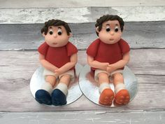 Custom made cake toppers from Marie's Bakehouse Manchester #caketoppers #handmadecaketoppers #custommadecaketoppers #footballcaketoppers #footballercaketoppers Fondant Cake Toppers, Fondant Cakes, Little Bow, Little Girls, Beautiful Cakes, Amazing Cakes, Football Cake Toppers, Owl Cakes, Cake Decorating Classes
