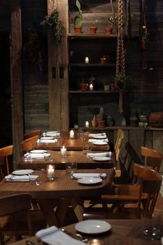 Jan's Page of Awesomeness! >. - lostinamerica: Perfect dinner setting.
