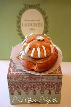 Religieuse au Cafe : I choux choux choux you!