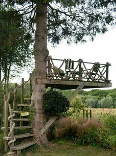 Outdoors Discover Who hasn& dreamed of having a tree house? What about this idea for an outdoor space? Outdoor Rooms, Outdoor Gardens, Outdoor Living, Outdoor Fun, Outdoor Bathrooms, Rustic Gardens, Outdoor Seating, Outdoor Bedroom, Dream Garden