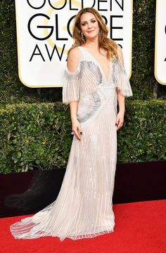Drew Barrymore in Monique Lhuillier at the 2017 Golden Globe Awards #2017 #GoldenGlobes