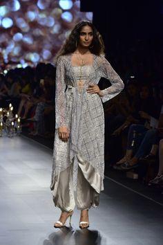 30 Best Wonderland Collection By Shyamal And Bhumika Images Lakme Fashion Week Shyamal And Bhumika Fashion Week