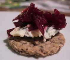 Scottish Oatcakes--Gluten and egg free.  I want to try these soon.