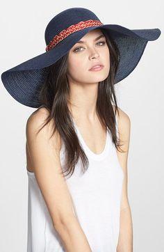 €72, Chapeau de paille bleu marine Nordstrom. De Nordstrom. Cliquez ici pour plus d'informations: https://lookastic.com/women/shop_items/52022/redirect