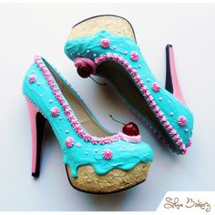 The Shoe Bakery is a Florida-based company run by Chris Campbell, who loves both shoes and sweets so much that he decided to combine them in the form of outrageously tantalizing ice cream, cake and donut-themed footwear. These shoes are adorable!