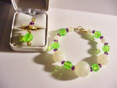 Wire wrapped Jewelry Set Bracelet Ring White Green by icColors, $16.00