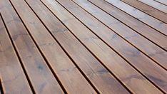 Découvrez si la fibre de verre comme recouvrement de patio est un bon choix dans ce guide d'entretien et d'installation d'un balcon en fibre de verre.