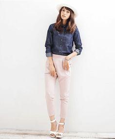 ピンクのパンツと合わせて *ダンガリー春夏ファッション*