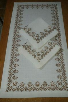 Bargello, Bohemian Rug, Needlework, Projects To Try, Cross Stitch, Floral, Cross Stitch Embroidery, Crochet Blankets, Crafts