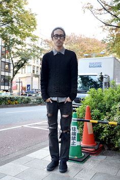 the cool nerd. and that beanie.   【STREET SNAP】直井 翔平   Hairdresser   ストリートスナップ   原宿(東京) 