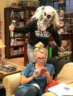 Tribute to Kaley Big Bang Theory, Kaley Cuocco, Leonard Hofstadter, Chuck Lorre, Amy Farrah Fowler, Johnny Galecki, Mayim Bialik, Tv Shows Funny, Comedy Show