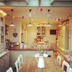 Photo by thecornerhouse - dream kitchen. OH MY this is my dream kitchen xx thank you for finding this Kate xx Cosy Kitchen, New Kitchen, Kitchen Ideas, Country Kitchen Diner, Country Kitchen Lighting, Small Cottage Kitchen, Open Plan Kitchen Diner, Style At Home, Decoration Inspiration