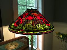 Oriental Poppy - Light Up Our Gallery Entry - Delphi Artist Gallery Delphi Glass, Stained Glass Lamps, Artist Gallery, Light Up, Poppy, Beautiful Homes, Glass Art, Oriental, Sparkle