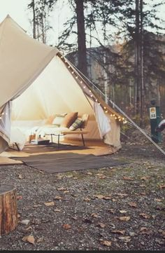Discover this luxury camping tent set in the Town of Golden, British Columbia. This is sure to be an enchanting spot!