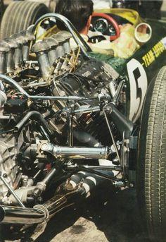 1967 British Grand Prix, Silverstone : Jim Clark & Lotus-Ford 49 DFV (ph: Tumblr)