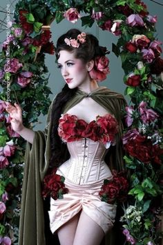 White corset with roses. LOVE this look - for a costume maybe?