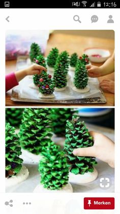 55 DIY Christmas Crafts for Kids to Make this Holiday Season! Christmas Crafts For Kids To Make, Toddler Christmas, Diy Crafts For Kids, Christmas Diy, Diy Christmas Door Decorations, Diy Weihnachten, Ornament, Origami, Xmas Ideas