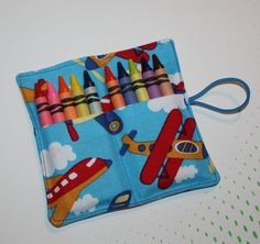 Airplanes Crayon Roll Party Favors, Crayon Rollup Sleeves Wraps, holds up to 10 Crayons, Crayon Roll Party Favors Aeroplanes