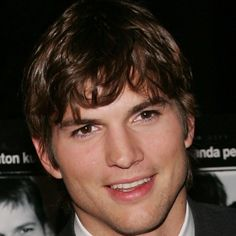 Kutcher went on to star in films like Guess Who, A Lot Like Love, The Guardian and No Strings Attached before landing one of his most anticipated roles to date: playing Apple co-founder Steve Jobs in the 2013 biopic Jobs. Freddy Moore, Popular People, Famous People, Famous Men, Ashton Kutcher, That 70s Show, Haircuts For Men, The Guardian, Movies