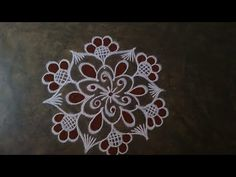 Small Rangoli, Rangoli With Dots, Easy Rangoli, Rangoli Designs Images, Beautiful Rangoli Designs, Muggulu Dots, Free Hand Rangoli, Padi Kolam, Special Rangoli