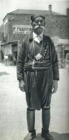 Κρητικός-Χανιά Η Κρήτη του 1950 μέσα από τις  εξαιρετικές φωτογραφίες του Γάλλου ταξιδευτή Claude Dervenn