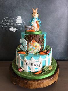 PeterRabbit cake #handpainted #customfondanttopper Fondant Toppers, Sweet Treats, Birthday Cake, Hand Painted, Cakes, Traditional, Desserts, Food, Tailgate Desserts
