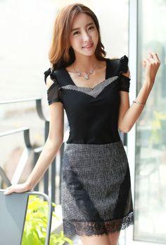 StyleOnme_Floral Lace Hem Fitted Skort #grey #skirt #shorts #koreanfashion #summer #kstyle #elegant #chic #korean #model #pretty #lace