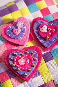 Creative Company | Buttons, felt Creative Company, Craft Projects, Coin Purse, Hearts, Felt, Buttons, Jewellery, Felting, Jewels
