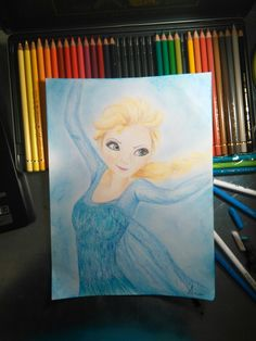 Elsa de Frozen con.lápices de colores