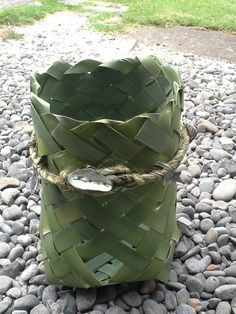 Harakeke kono (undressed flax basket) made by Delwyn McManus, NZ