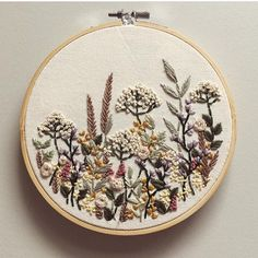 Feels funny to be stitching springtime wildflowers just as the snow is beginning to fall here in Toronto 🌨❄️☃️ This piece is just about…