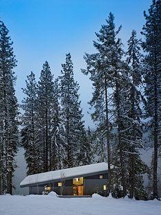 Rustic + cozy mountain retreat in Washington state #dreamhouseoftheday