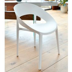 Choose from dwell's great range of modern, designer dining room chairs, and have the luxury of interest free credit with super-fast delivery on all orders. Kitchen Table Chairs, White Dining Chairs, Dining Room Chairs, Table And Chairs, Dining Room Design, Stool, Furniture, Home Decor, Decoration Home