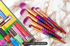 Rainbow make up brushes: http://unaweblog.blogspot.com/2017/05/teczowe-pedzle-z-rose-wholesale.html