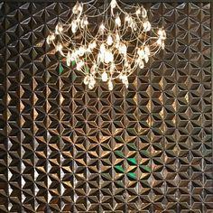 Stylish #tile from @ogassian by @annsacks spotted by @britney.wior.interiors in @delta's terminal at @flylaxairport! // #archilovers #architettura #designhounds #designer #designinterior #designinspiration #designdeinteriores #homeinterior #homedesign #instadecor #interiordesign #interiors #interiorinspo #idcdesigners #pattern #tileometry #tiles #tiled #tiledesign #tilelove #tilestyle #tilework #tileaddiction #walltile #ihavethisthingwithtiles