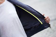 Neueste Mode Tailored Smoking Bespoke Grau Bräutigam Hochzeit Anzug Mit Breiten Revers jacke + Pants + Tie + Tasche Squaure Nach Maß Zu Messen Männer Anzug