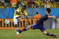 Jackson Martínez patea para marcar el 3:1 contra Japón