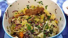Pasta salade MiCha. Eenvoudige pastasalade gemaakt met een stokje sate. Het recept is te vinden op mijn website.